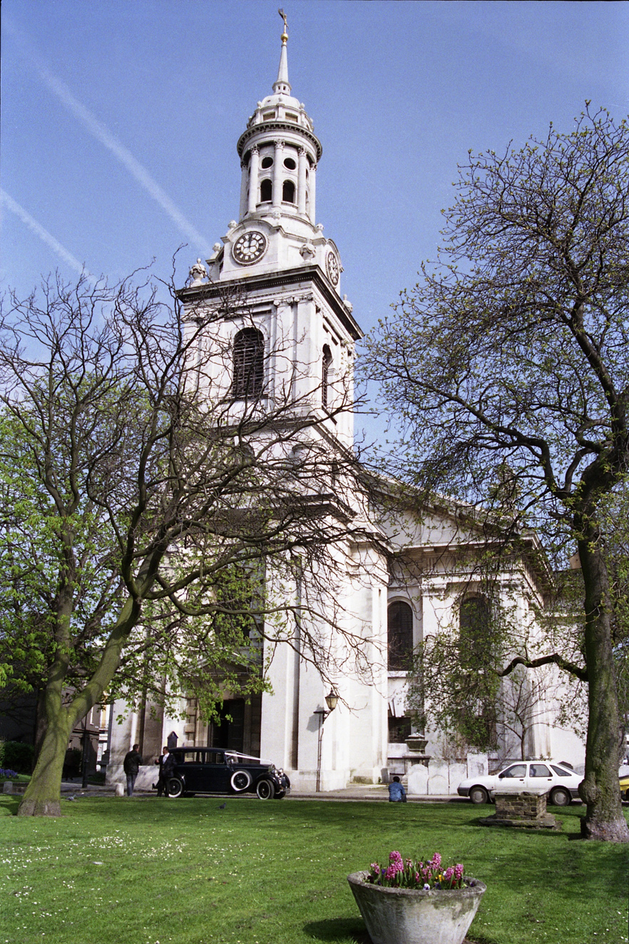 UK_Kent_Greenwich_St Alphages Church_1989a s