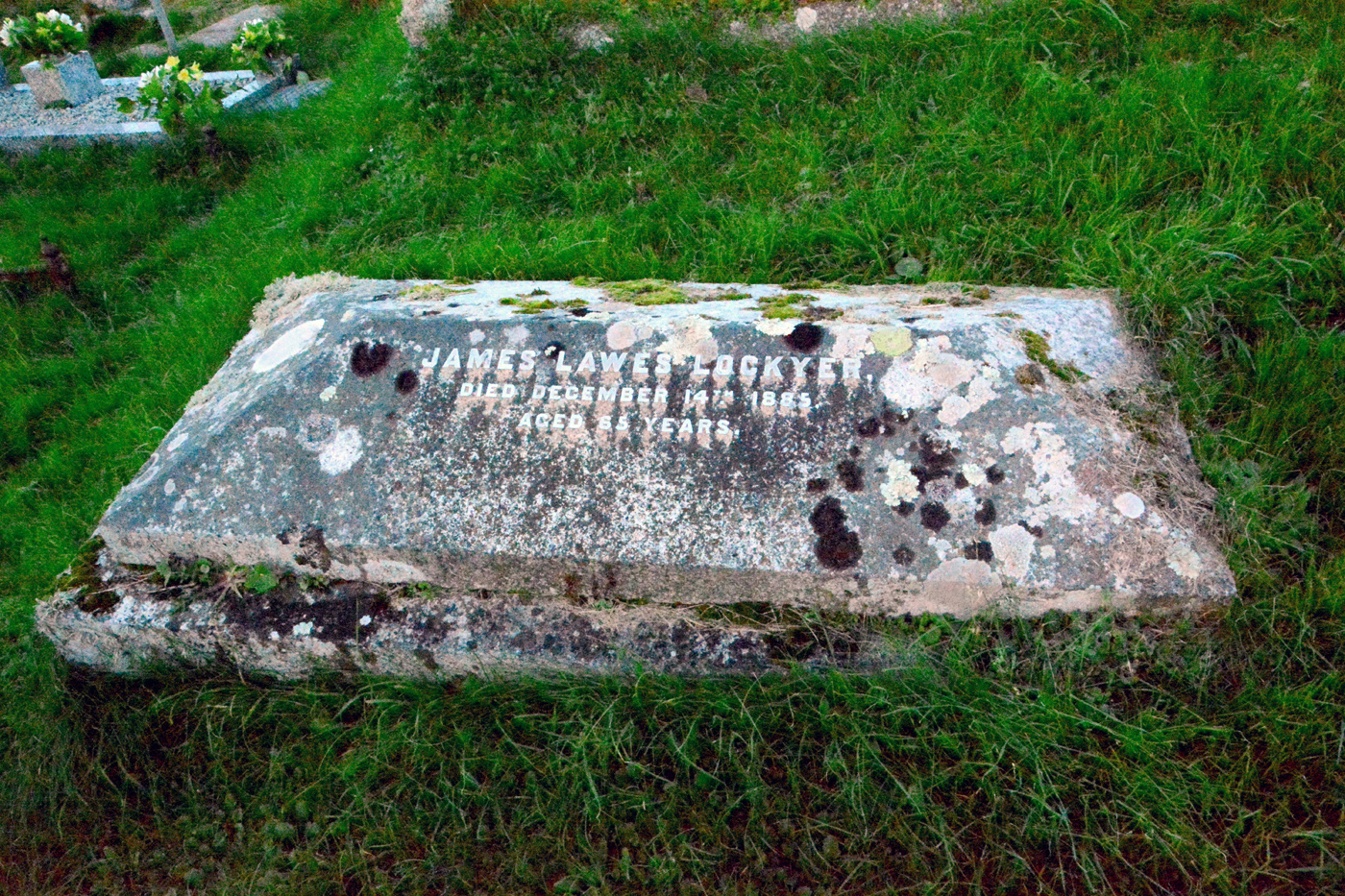 Lockyer_James_grave_Wembury_St Werburgh's Church_Sue Carylon photo_2017_02 s
