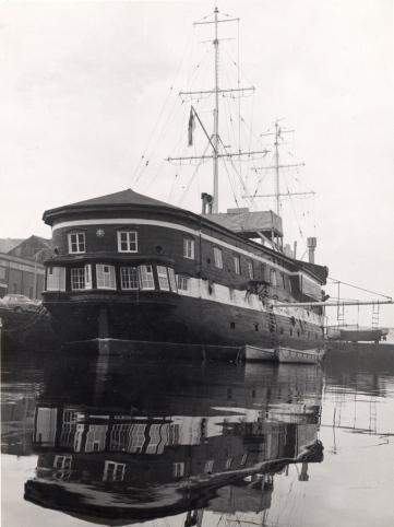 HMSUNICORN_1968a